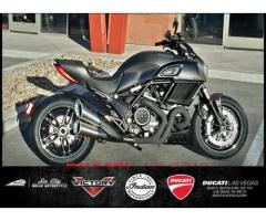 2017 Ducati Diavel Carbon Asphalt Grey and Matt Carbon - $22395