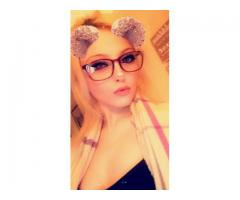Pretty Little Blonde